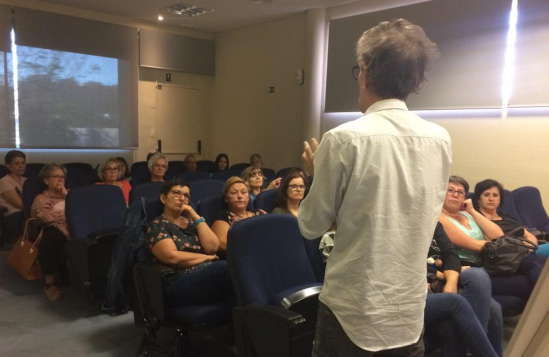 Momento de la reunión con empleados de Grupo Parisien el 25 de octubre de 2017