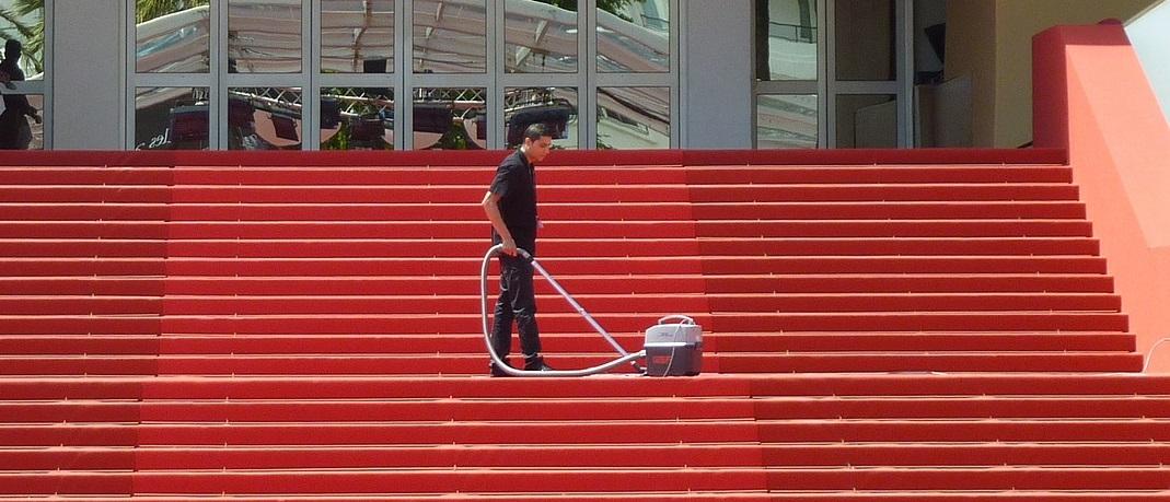 Limpieza de mantenimiento y tratamiento de superficies