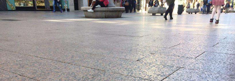 Pavimento antideslizante