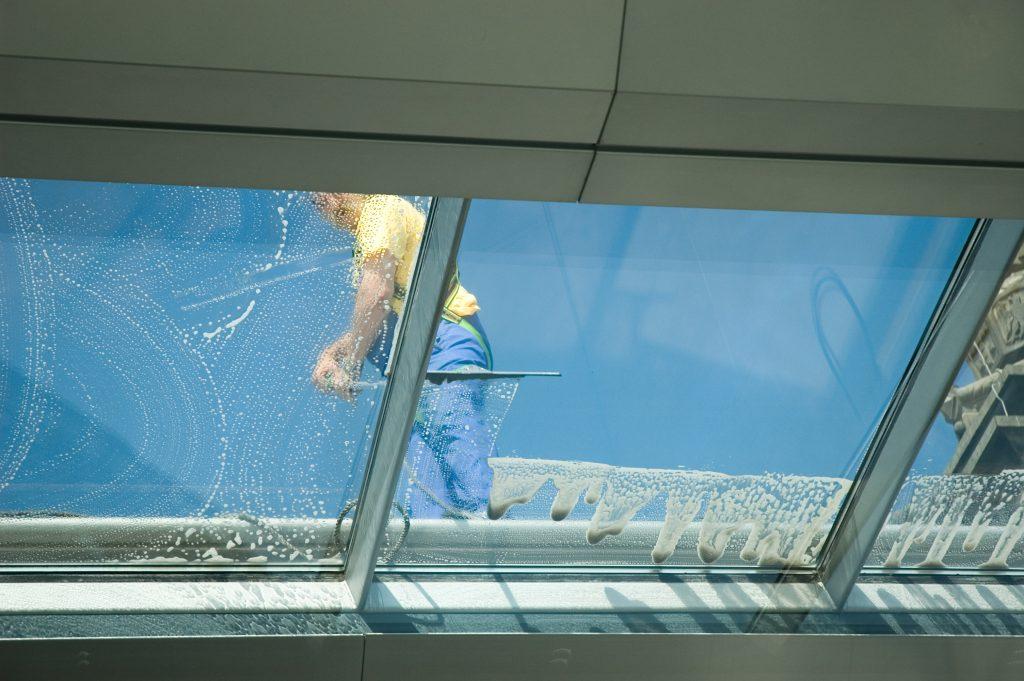 limpieza profesional de ventanas